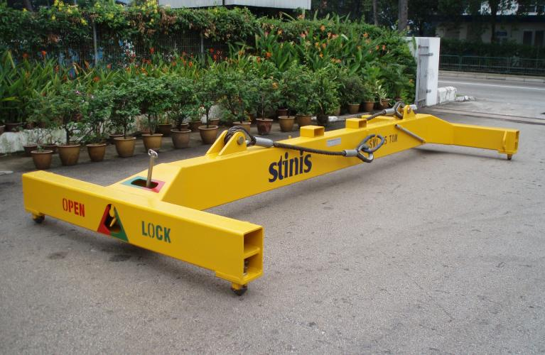 stinis manual container spreader