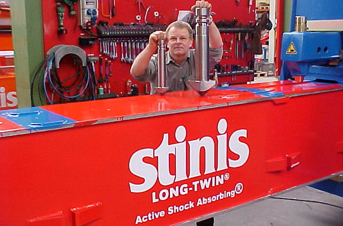stinis twistlocks and active shock-absorbing
